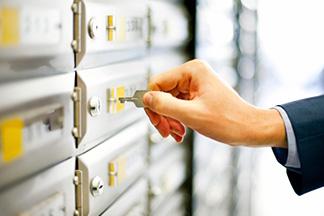 Hand opening safety deposit box